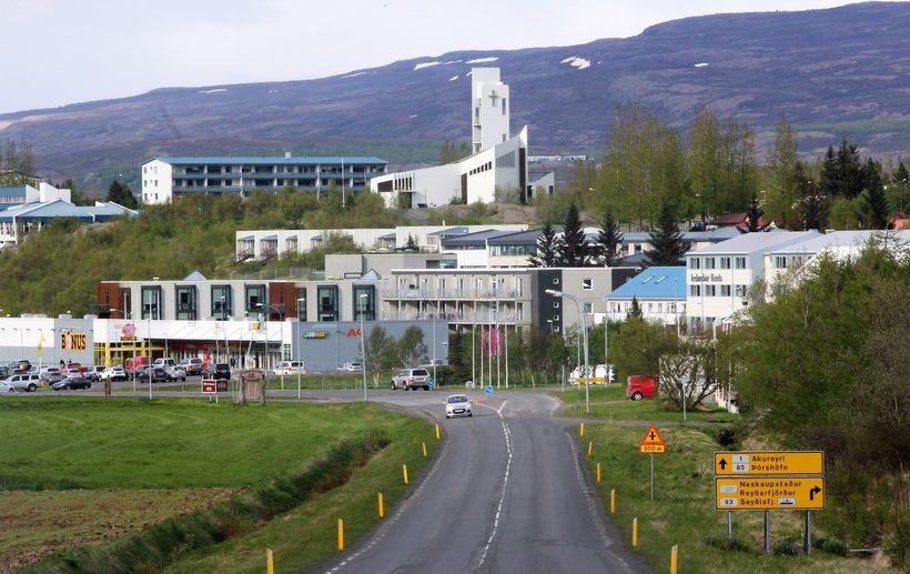 Egilsstaðir. Óstaðfestur grunur er um að hundur hafi smitast af ...