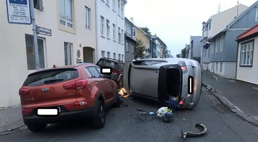Frá Grettisgötu aðfaranótt 17. júní.