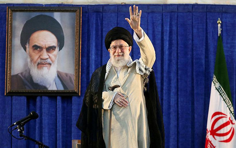 Ayatollah Ali Khameini, leiðtogi Írans, við minningarathöfn sem haldin var ...