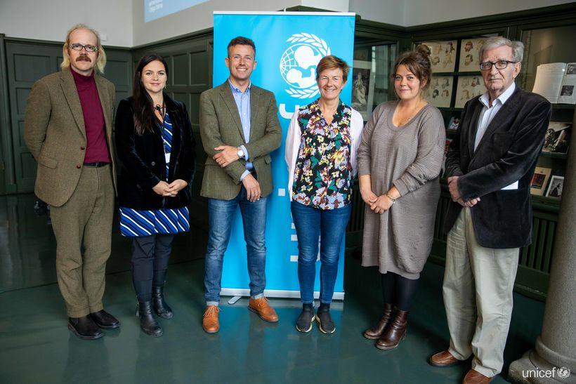 Stjórn UNICEF á Íslandi á aðalfundi landsnefndarinnar í dag. F.v.: ...