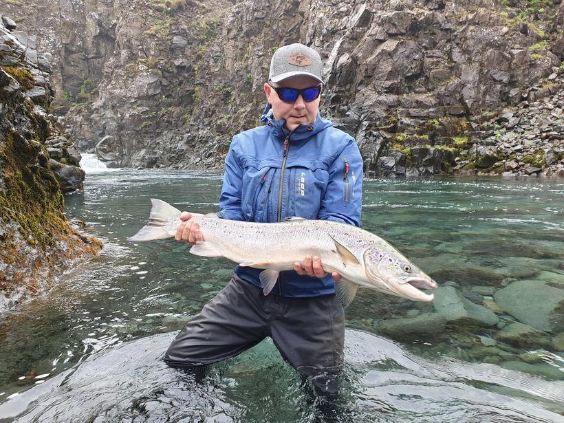 Reynir M. Sigmunds með 84 sentímetra fisk af Pallinum í ...