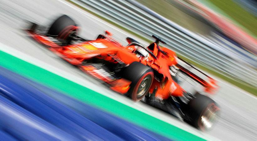 Sebastian Vettel í tímatökunni í Spielberg sem honum tókst þó ...