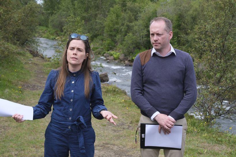 Guðmundur Ingi Guðbrandsson, umhverfis- og auðlindaráðherra og Katrín Jakobsdóttir forsætisráðherra ...