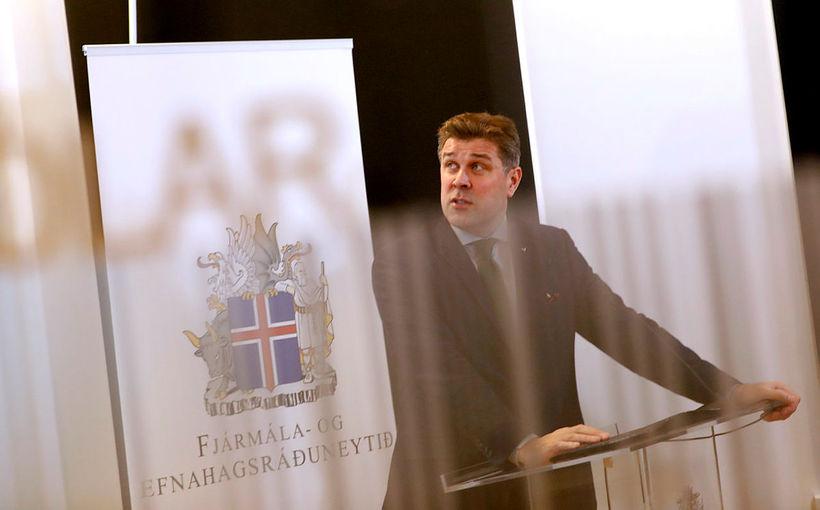 Meirihluti fjárlaganefndar lagði í dag fram gagngera breytingartillögu á fjármálaáætlun, ...