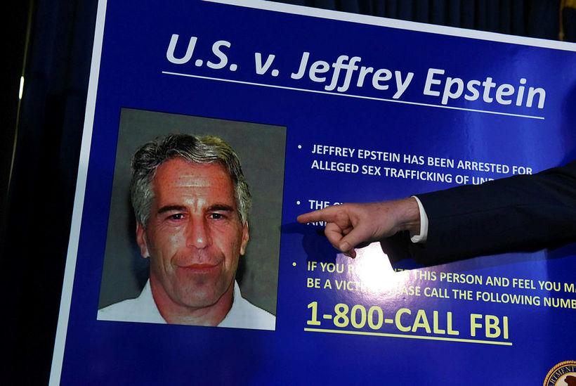 Frá blaðamannafundi þar sem ákæra á hendur Epstein var tilkynnt.