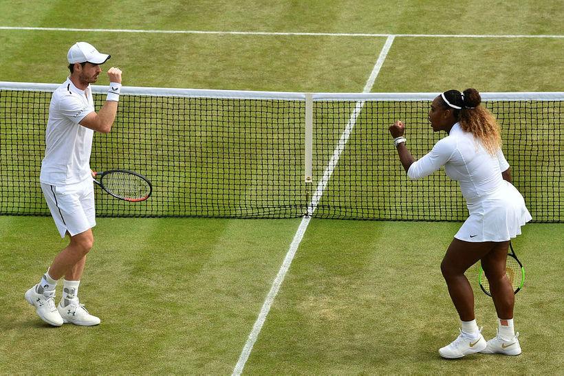 Andy Murray og Serena Williams eru úr leik á Wimbledon-mótinu.