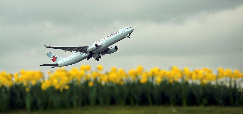 Farþegaþota frá kanadíska flugfélaginu Air Canada. Mynd úr safni.