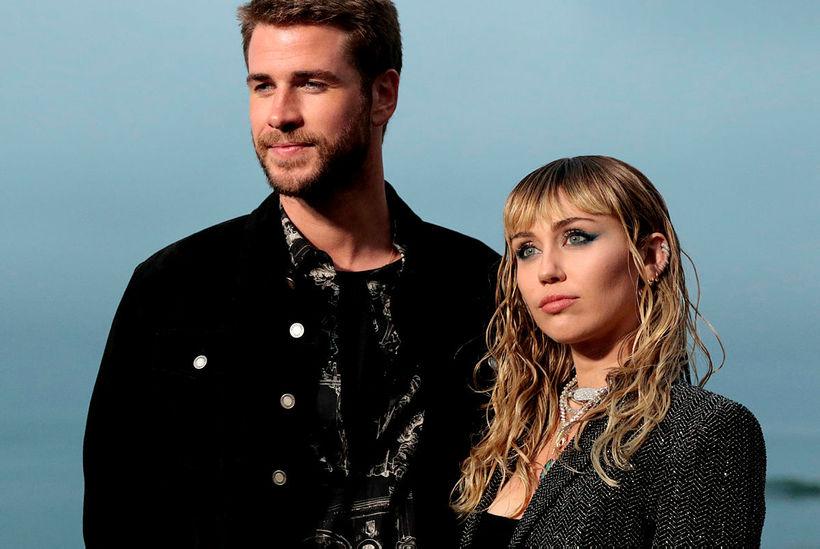 Miley Cyrus og Liam Hemsworth eru hjón.