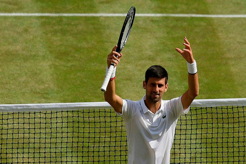 Serbinn Novak Djokovic leikur til úrslita á Wimbledon-mótinu, annað árið ...