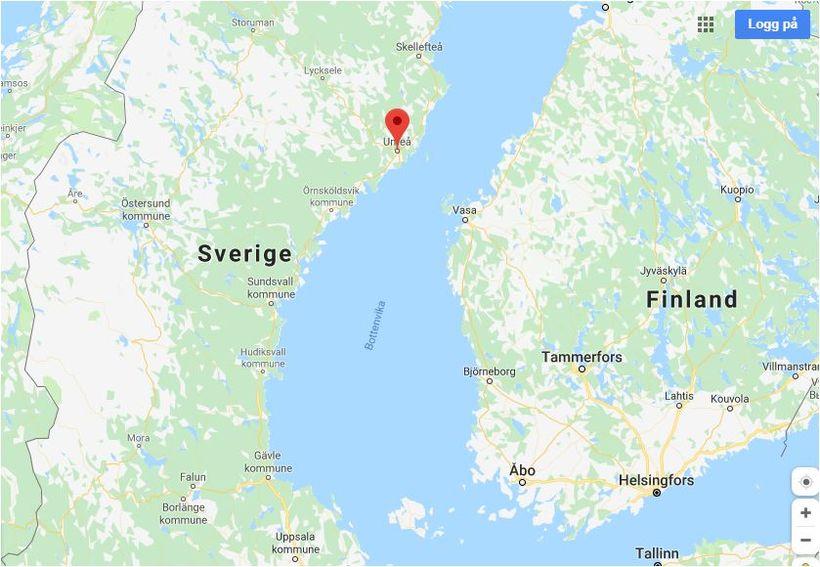 Flugvélin hrapaði við eyjuna Storsandskär utan við í Umeå í ...