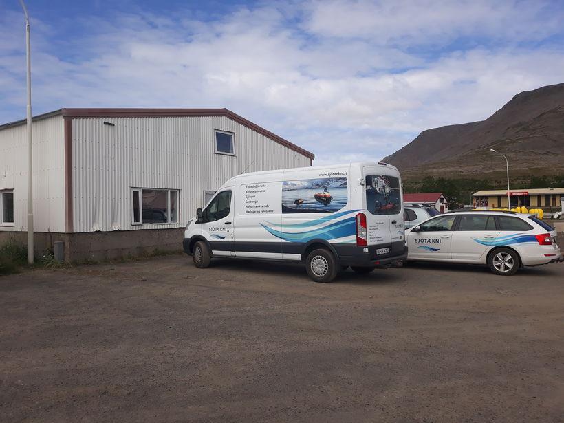 Aðalstarfsstöð fyrirtækisins er á Tálknafirði.