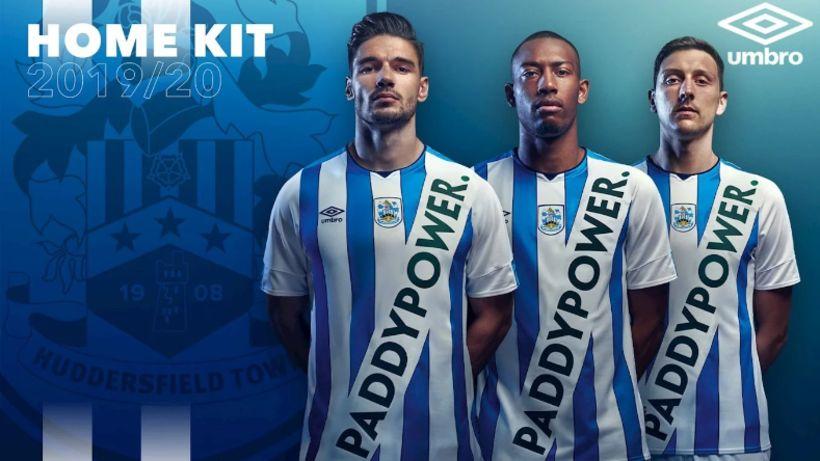 Treyjurnar sem Huddersfield kynnti til leiks í vikunni og vöktu ...