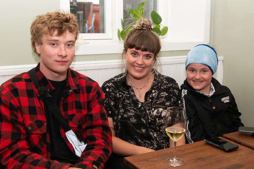 Ýmir Grönvold, Berglind Pétursdóttir og Kári Halldórsson.