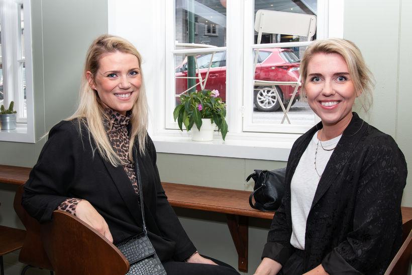 Bryndís Sigurðardóttir og Dröfn Sigurðardóttir.