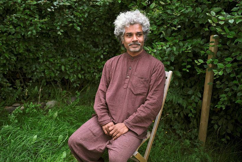 Rahul Bharti bjó og lærði hjá ættbálkum þegar hann var …