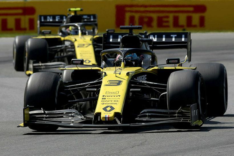Daniel Ricciardo (3) og Nico Hülkenberg á ferð í kanadíska …