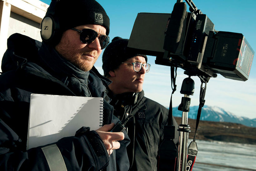Grímur Hákonarson and producer Grímar Jónsson, shooting the film.