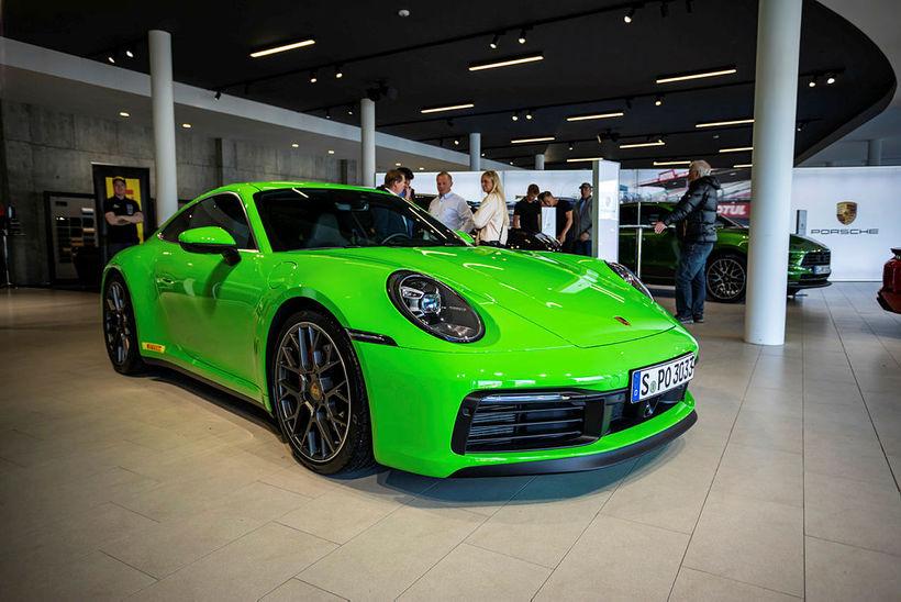 Nýji Porsche 911 er ekkert smávegis ökutæki.