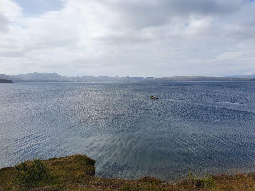 Þingvallavatn er gríðarlega stórt og djúpt. Það væri líklega auðveldara …