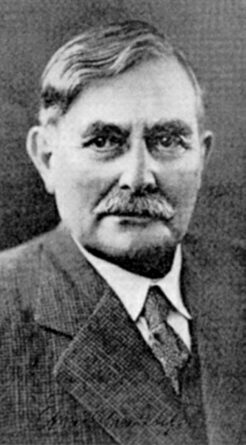 Einar Benediktsson talaði fyrir tilkalli Íslendinga til Grænlands.
