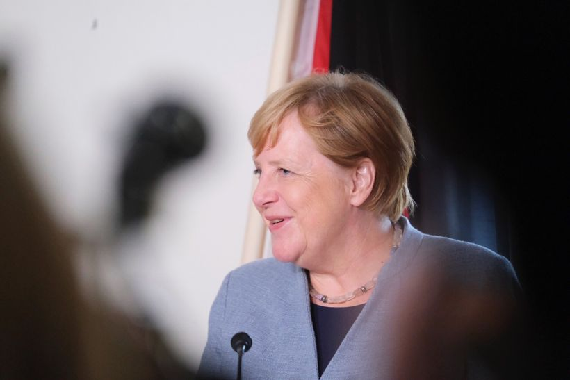 Merkel var nokkuð hress eftir gönguna um Almannagjá.