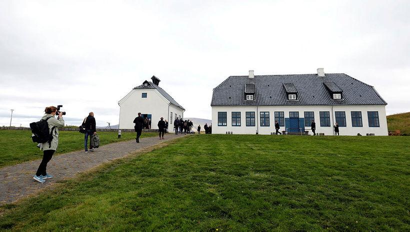 The meeting was held at Viðeyjarstofa, on Viðey island.