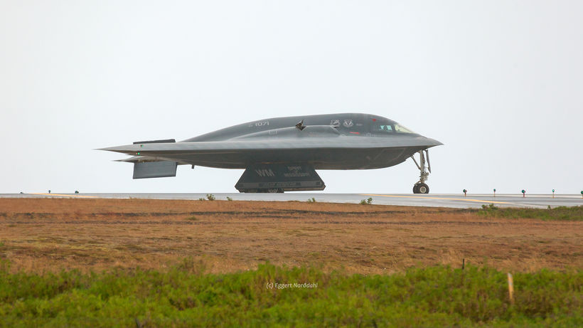 B-2 Bomber Briefly Visits Iceland - Iceland Monitor