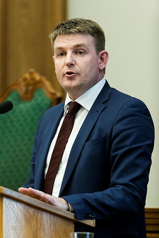 Aksel V. Johannesen, 46 ára lögfræðingur, er formaður Jafnaðarflokksins í ...