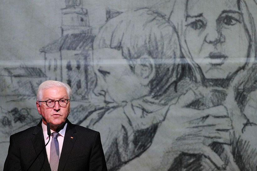 Frank-Walter Steinmeier, forseti Þýskalands, bað Pólverja fyrirgefningar vegna síðari heimstyrjaldarinnar ...