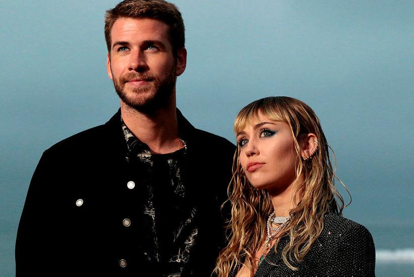 Liam Hemsworth og Miley Cyrus eru skilin.