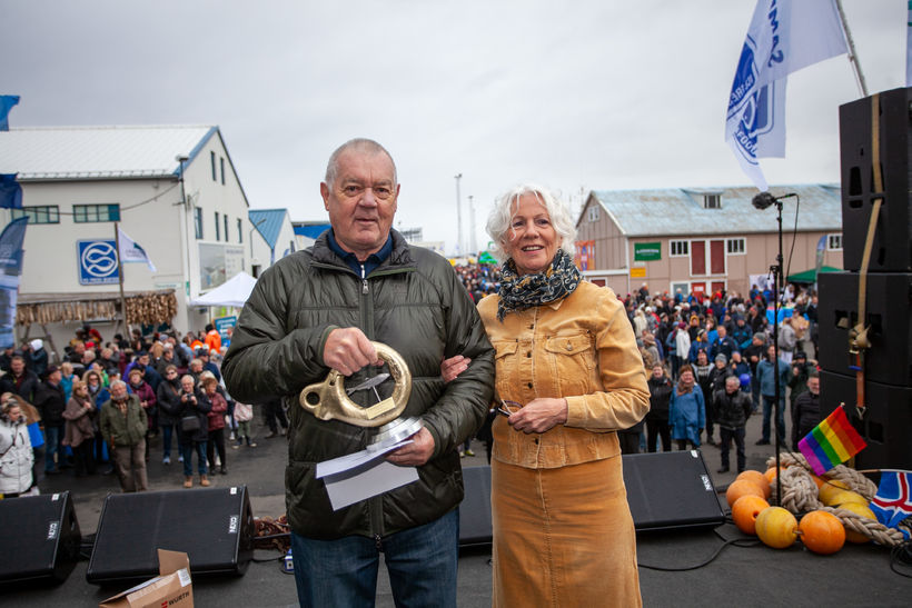 Skipstjórinn fengsæli Gunnar Arason og Svanfríður Inga Jónasdóttir, fyrrverandi bæjarstjóri ...