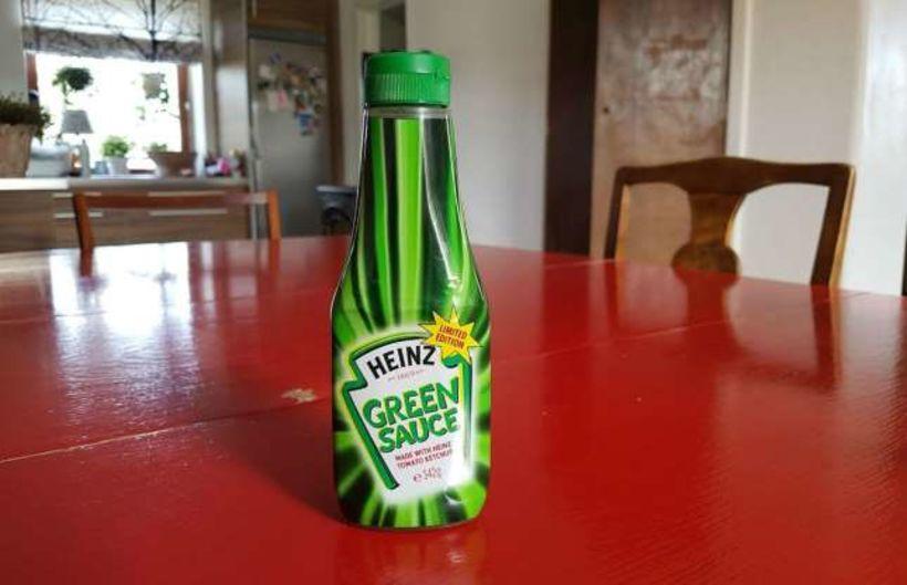 Það var árið 2000 sem tómatsósuframleiðandinn Heinz kynnti græna tómatsósu ...