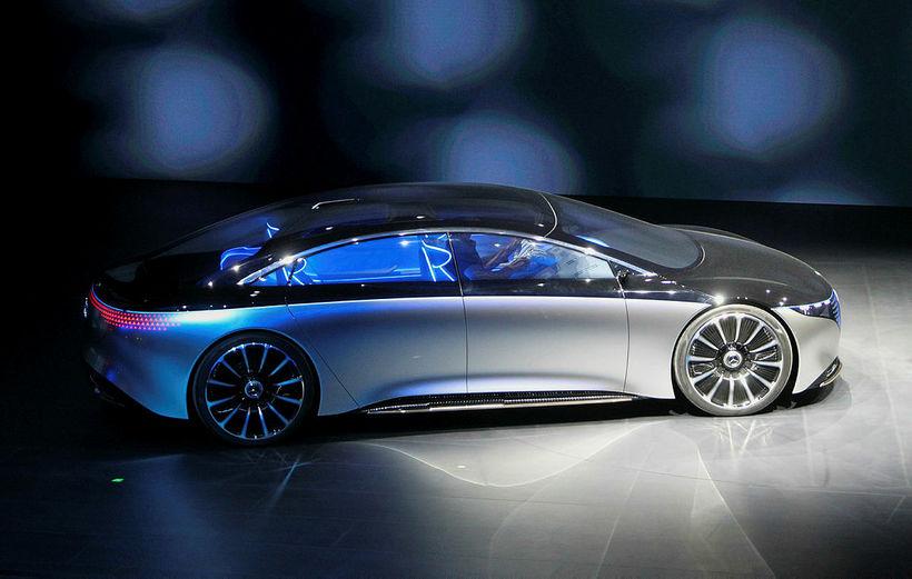 Vision EQS á bás Mercedes-Benz í Frankfurt.