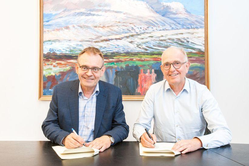 Sigurður Guðjónsson forstjóri Hafrannsóknastofnunar og Peter S. Williams frá Ineos ...