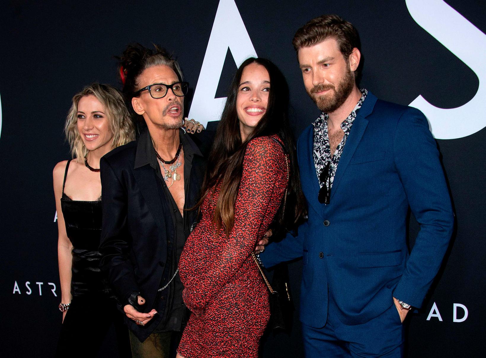 Aimee Preston, Steven Tyler, Chelsea Tyler og Jon Foster.