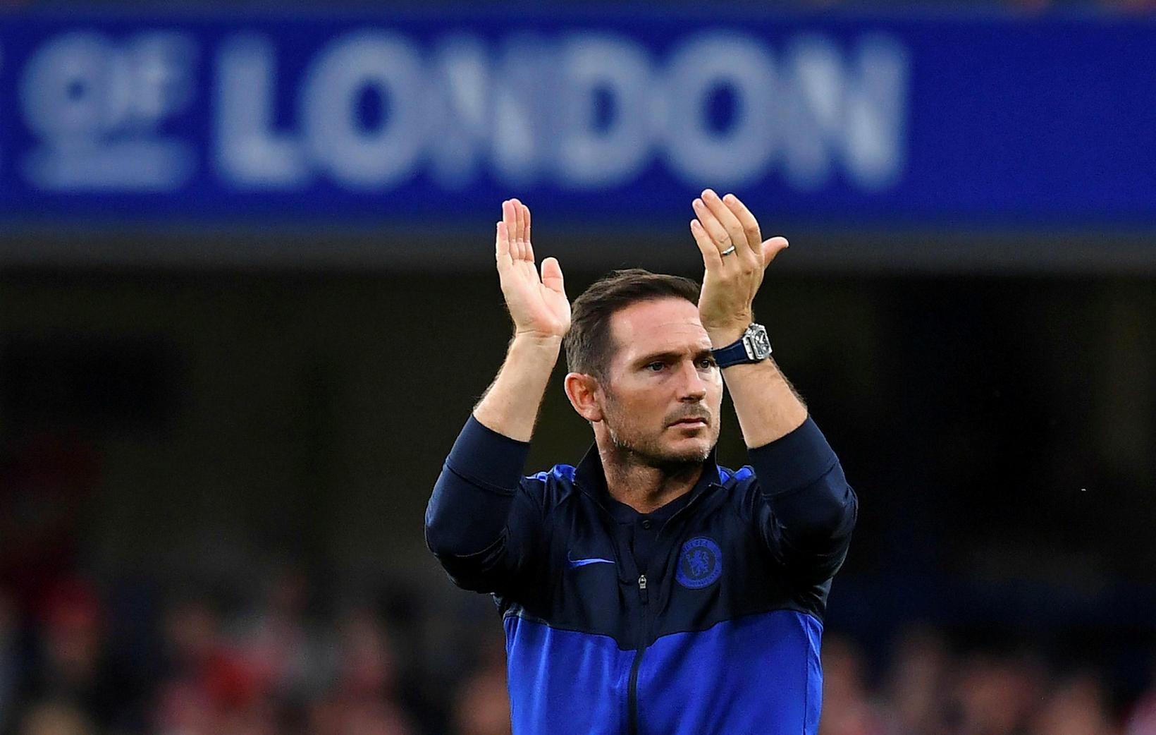 Frank Lampard þakkar stuðninginn í dag.