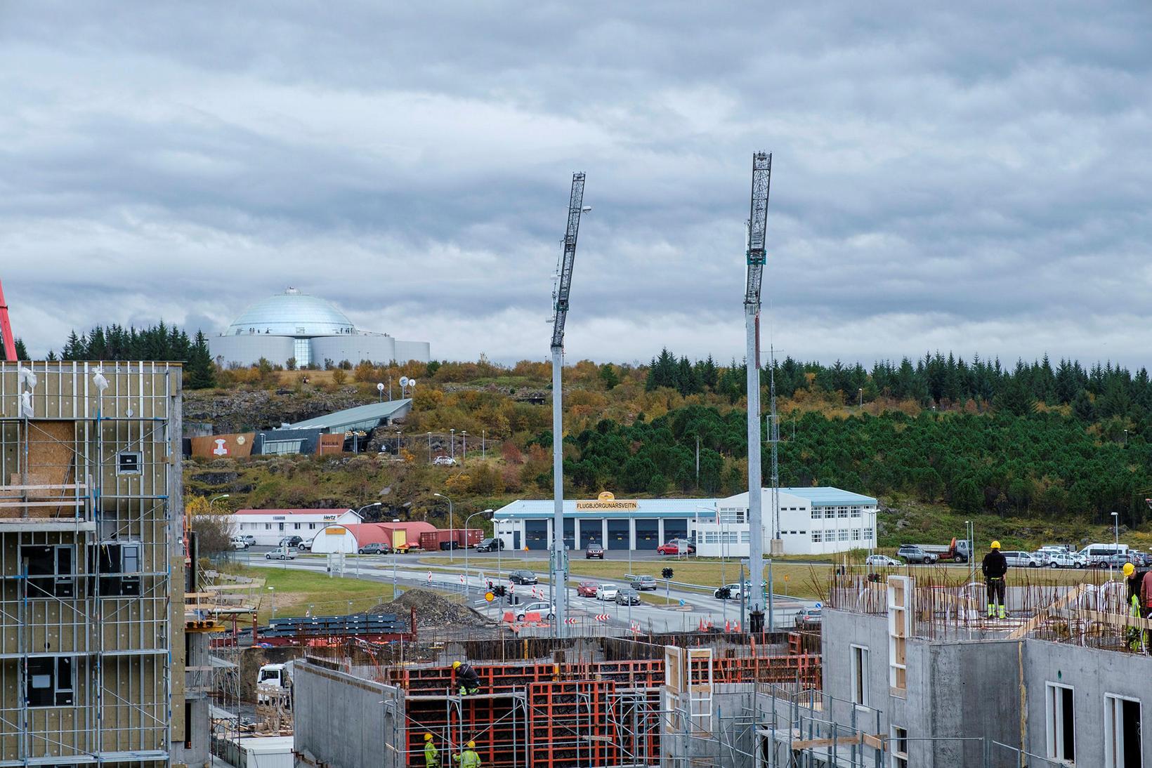 Öskjuhlíðin er steinsnar frá byggingarsvæðinu á Hlíðarenda.