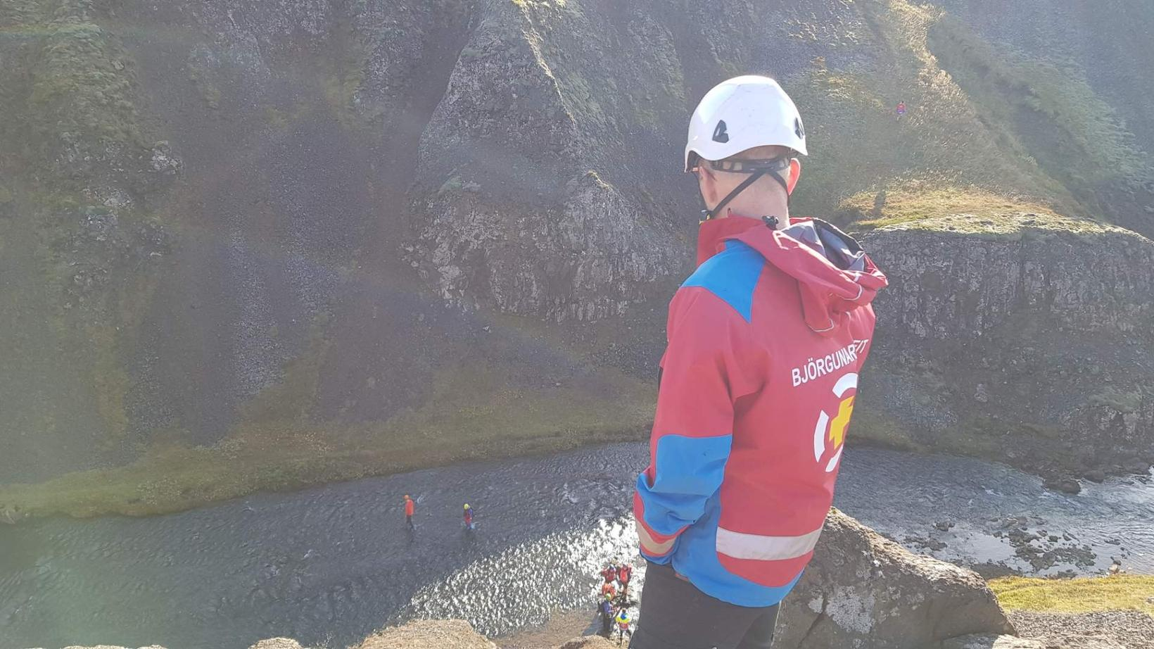The rescue operation by Tröllafoss waterfall.