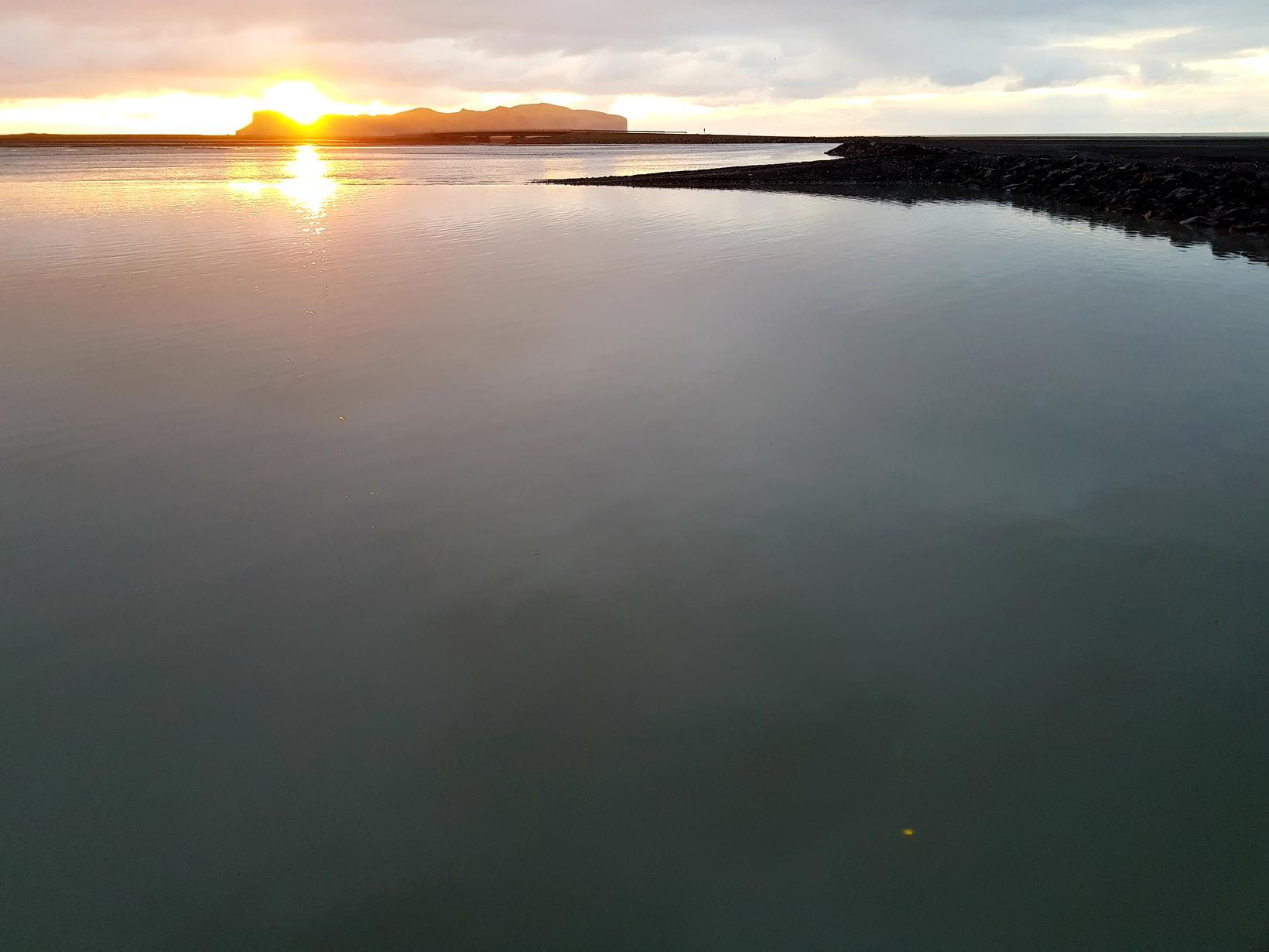 Sunrise on Múlakvísl this morning.