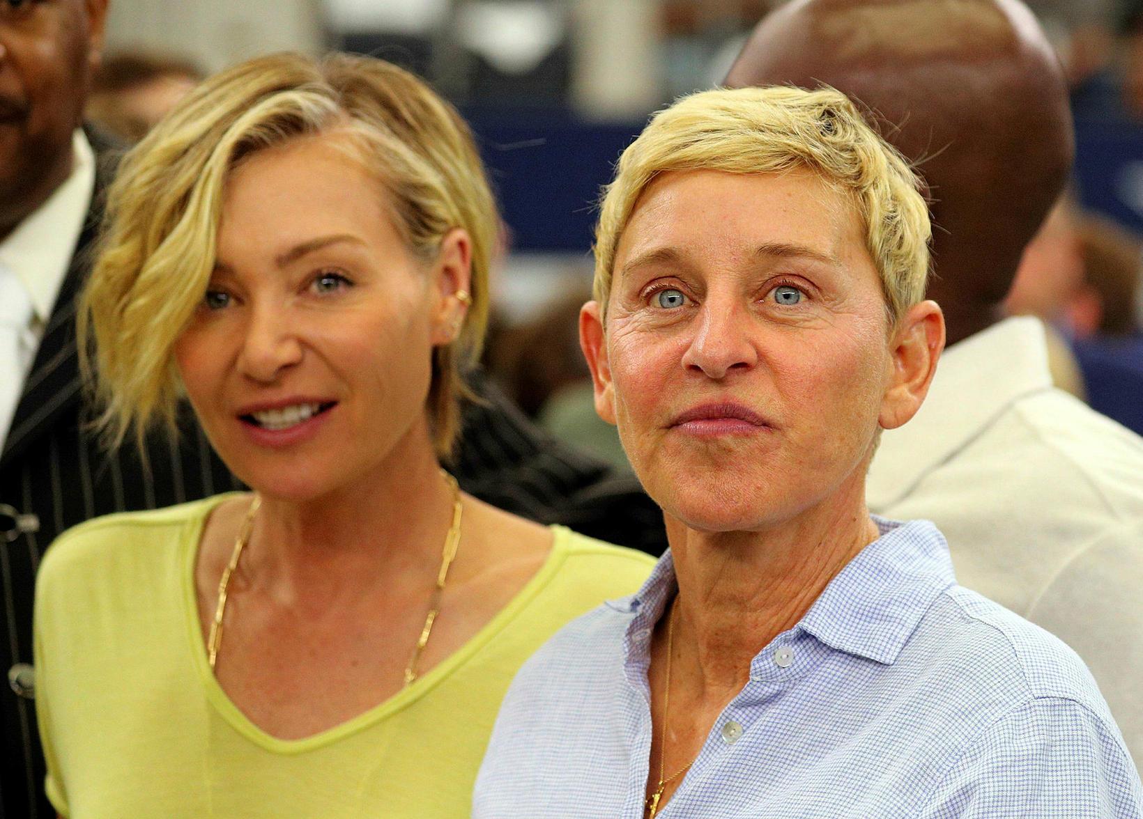 Portia de Rossi og Ellen DeGeneres. Brúðkaup þeirra var látlaust.