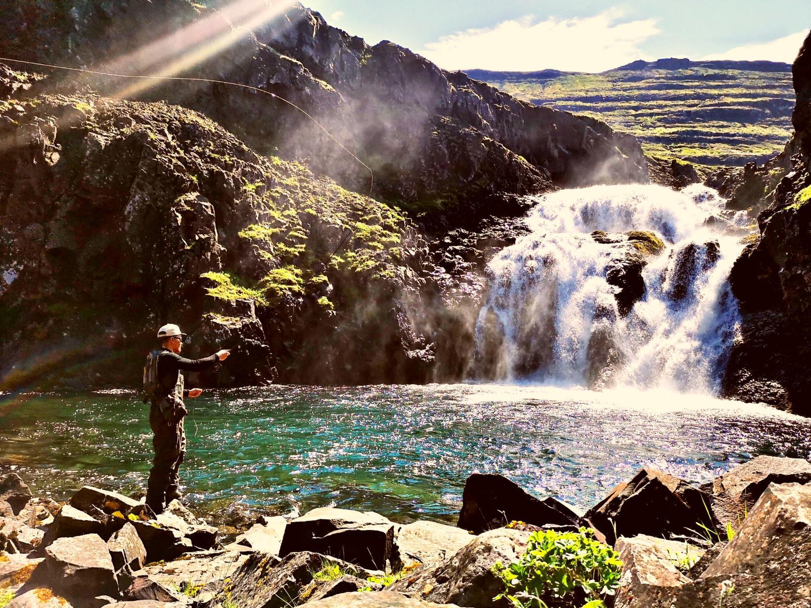 Kastað fyrir bleikju efst í Fjarðará í Seyðisfirði.