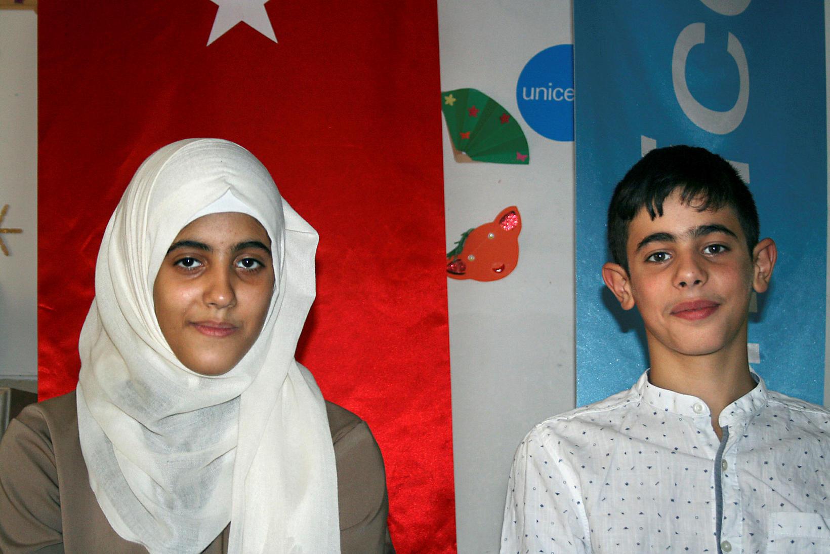 Systkinin Esma og Muhammed eru afar ólík. Hún hefur mikinn …