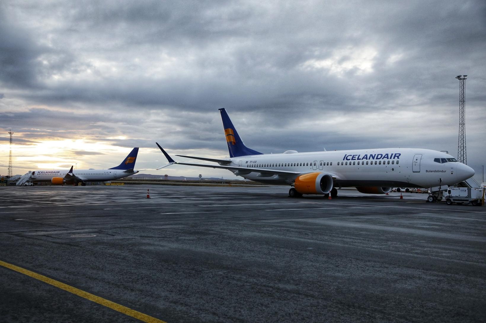 Alls verður fimm Boeing 737 MAX 8-þotum og einni MAX ...