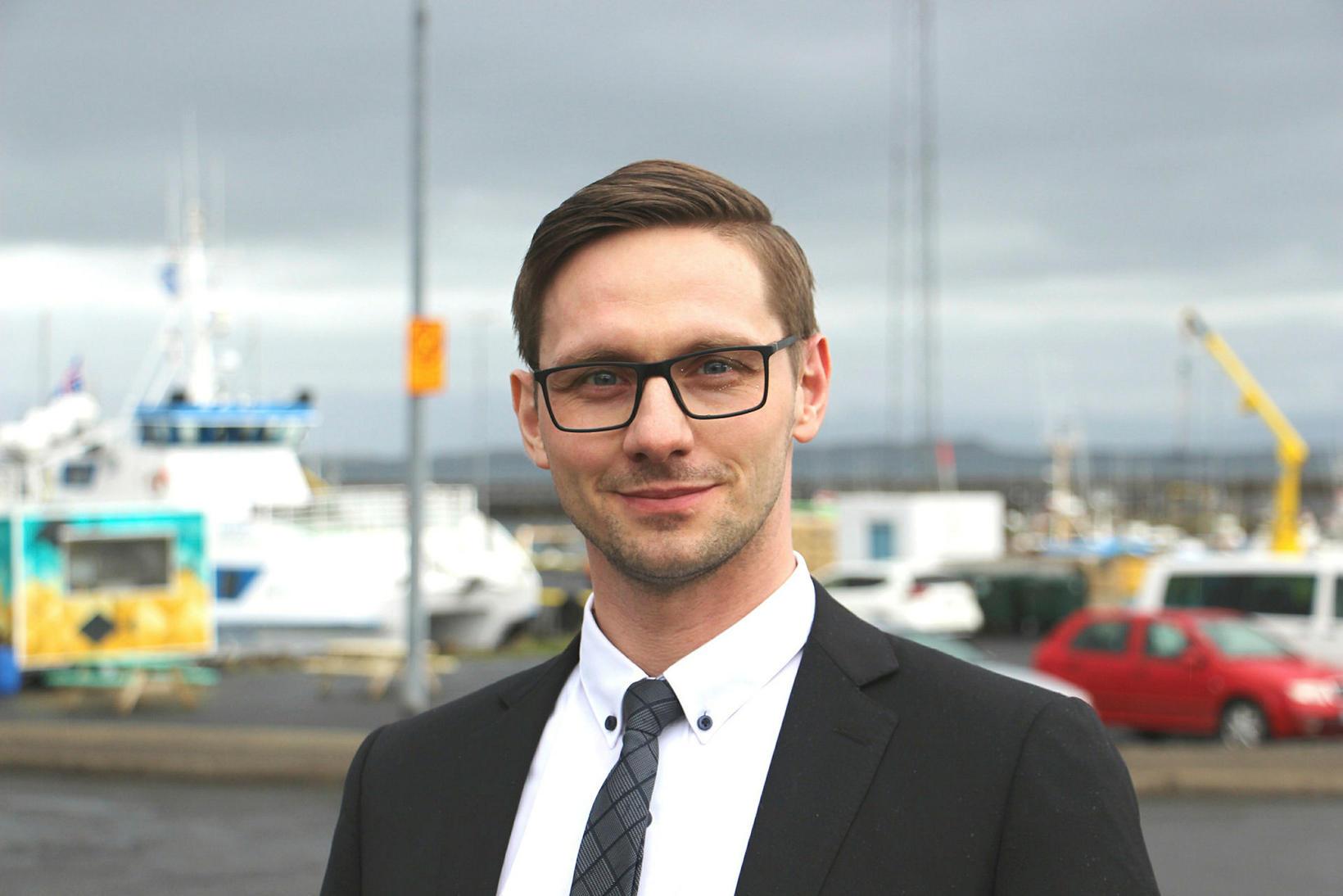 Jakob Björgvin Jakobsson er bæjarstjóri í Stykkishólmi, en í bæjarfélagið …