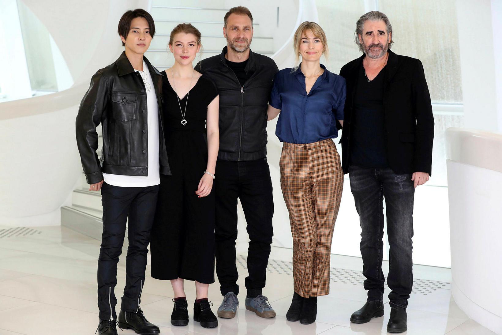 Tomohisa Yamashita, Katharine O'Donnelly, Alexandre Willaume, Laura Bach og John ...