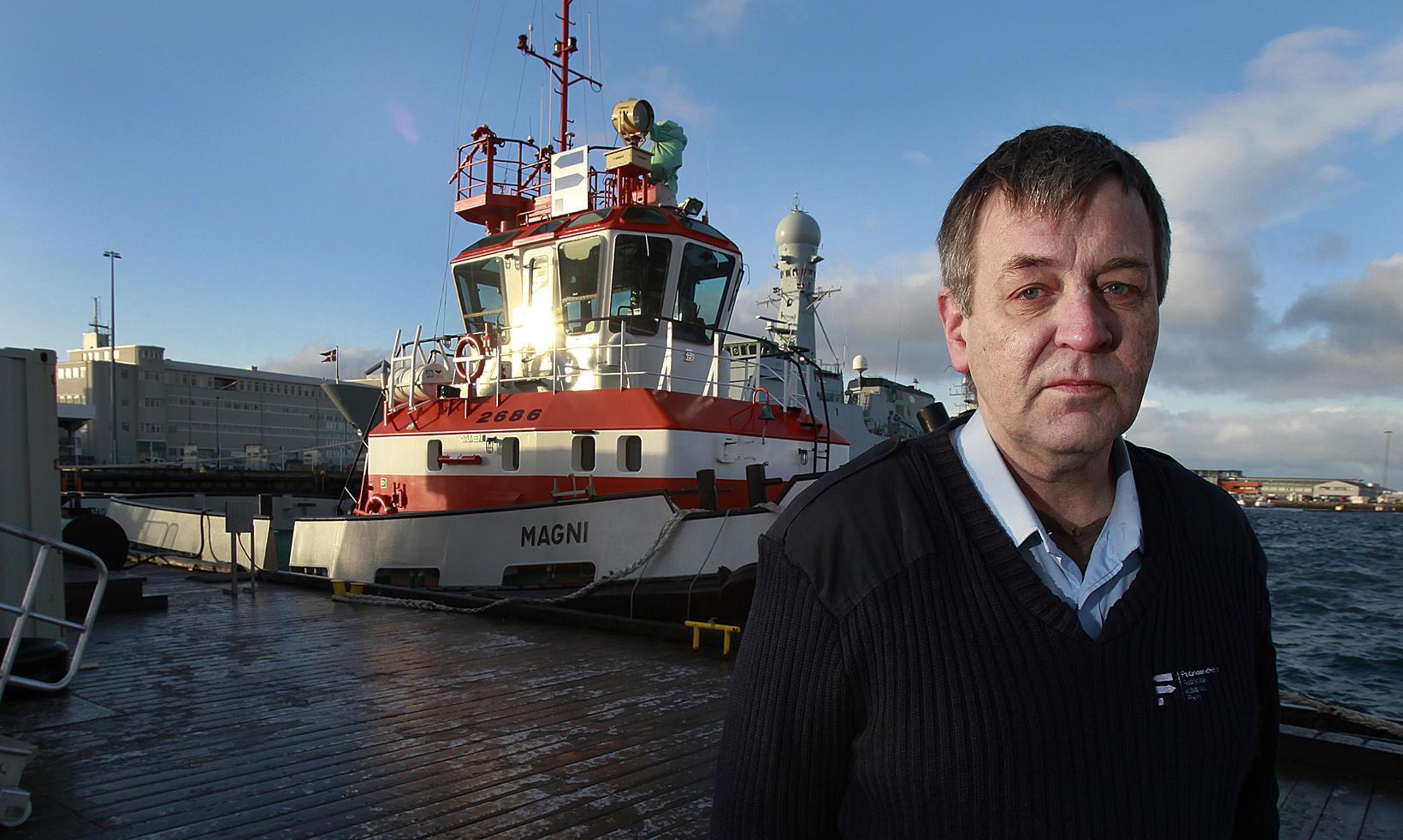 Pétur Kristjánsson hafnsögumaður.