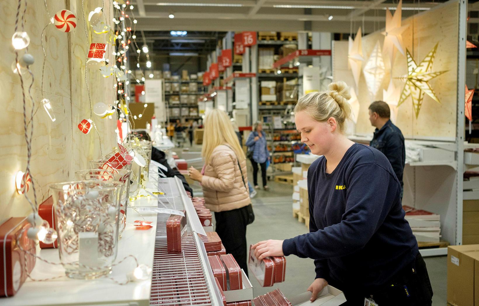 Fyrir nokkru síðan hófst undirbúningur fyrir jólin í IKEA.