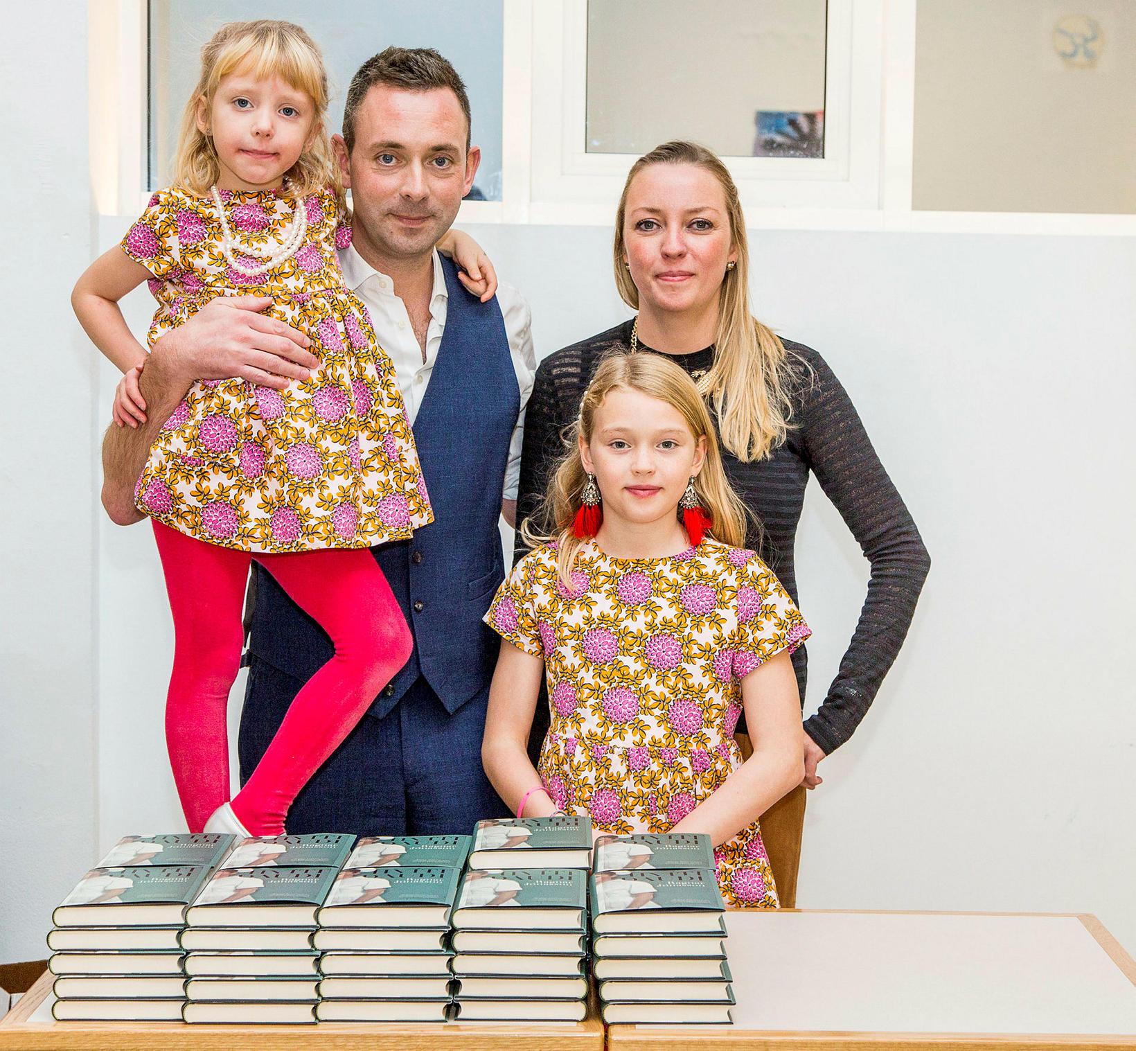 Ragnar Jónasson og fjölskylda: Natalía, Ragnar, Kira og María Jóhannsdóttir.