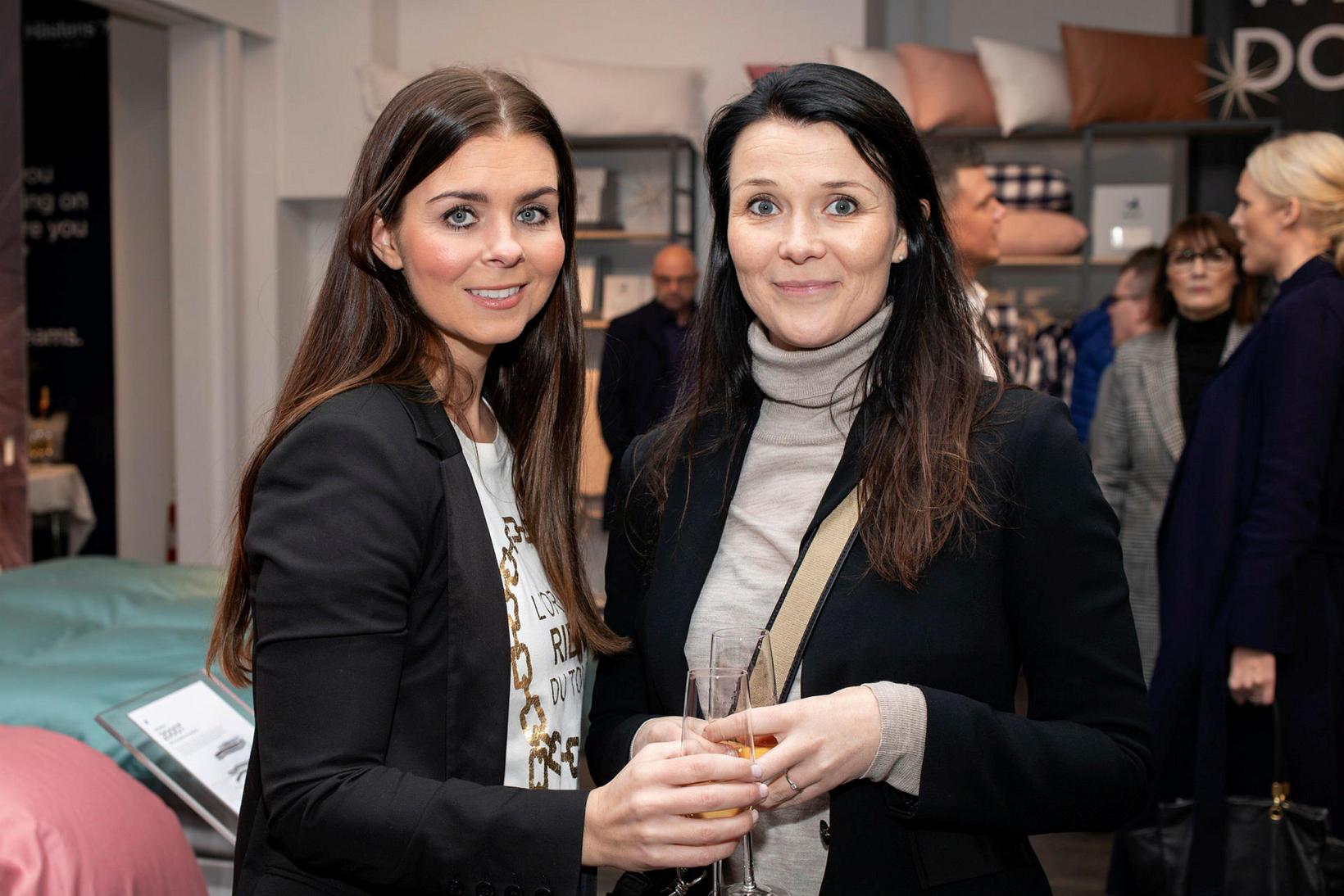 Hafdís Hrönn Reynisdóttir og Tinna Brynjólfsdóttir.
