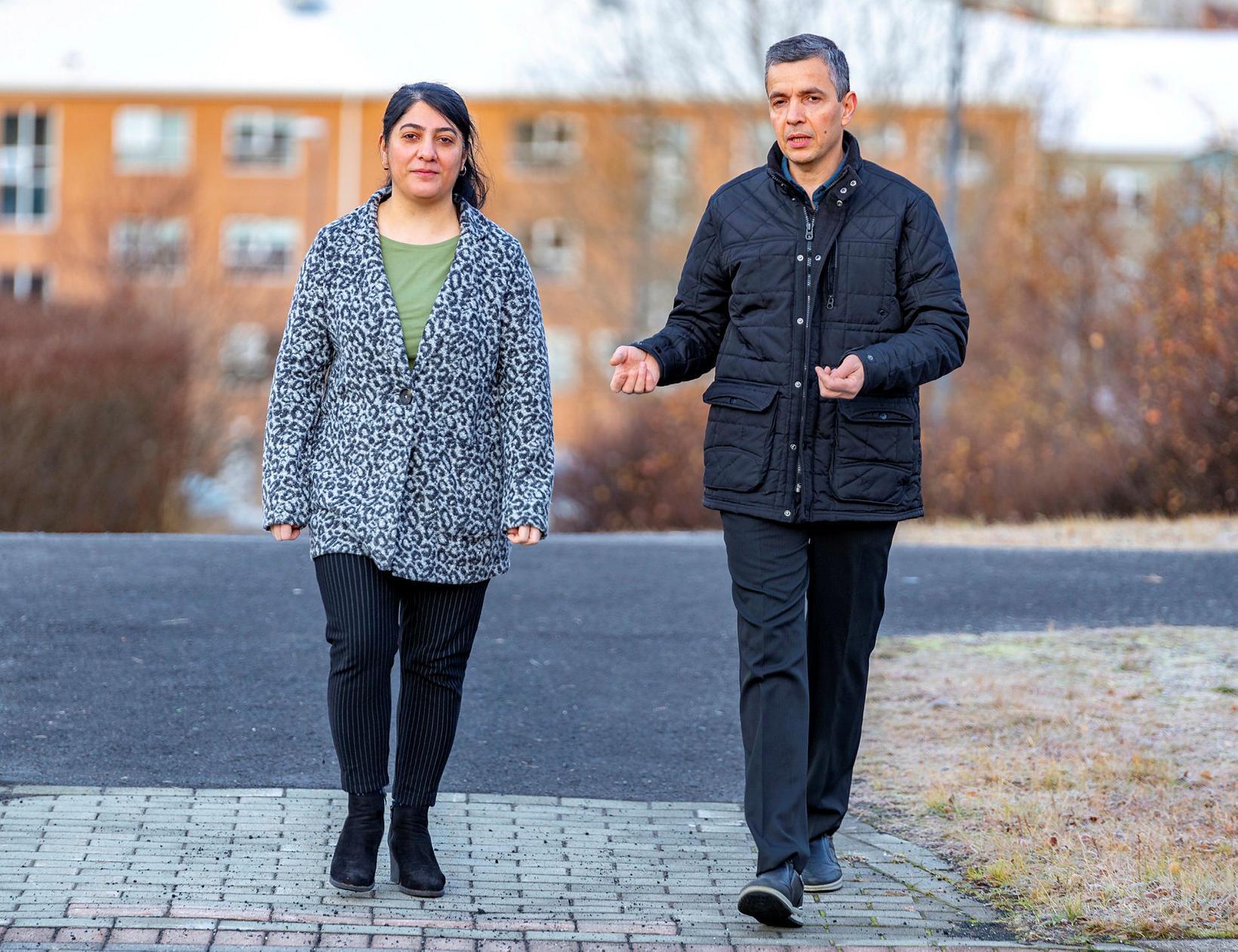 Susan Rafik Hama og Salah Karim Mahmood eru Kúrdar frá ...